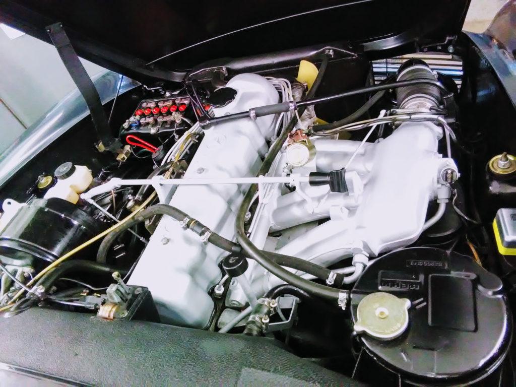 Motorraum nach Kundenwunsch aufgearbeitet (Mercedes Pagode SL)